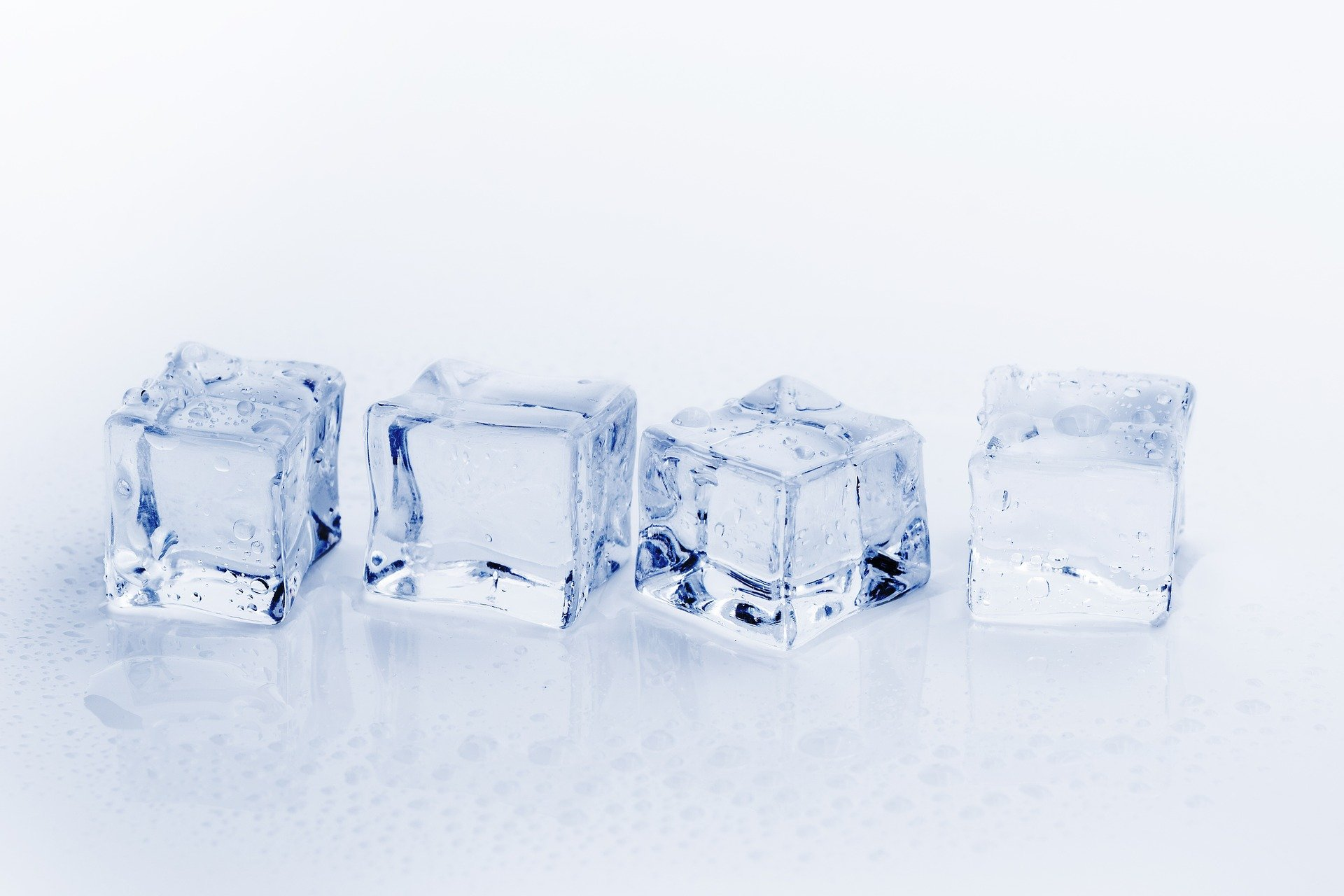Ice cube for skincare: Beauty benefits of ice cube and how to use